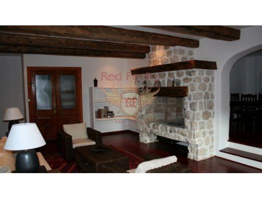 İlk satırda Dobrota'da villa, Karadağ da satılık havuzlu villa, Karadağ da satılık deniz manzaralı villa, Dobrota satılık müstakil ev