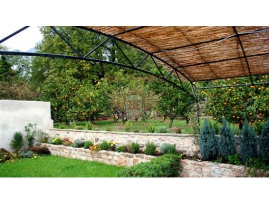 İlk satırda Dobrota'da villa, Karadağ satılık ev, Karadağ satılık müstakil ev, Karadağ Ev Fiyatları
