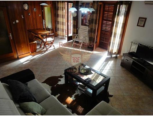 Kotor'da ev, Kotor-Bay satılık müstakil ev, Kotor-Bay satılık müstakil ev