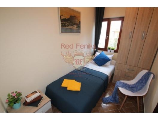 Herceg Novi sahilinde güzel 4 yatak odalı ev, Karadağ da satılık havuzlu villa, Karadağ da satılık deniz manzaralı villa, Baosici satılık müstakil ev