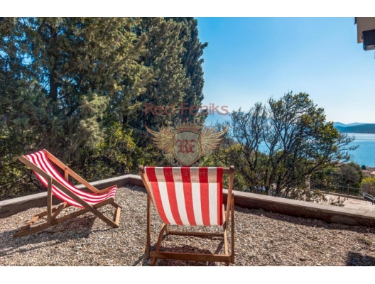 Magnificent villa with Pool and Sea Views near Porto Novi, buy home in Montenegro, buy villa in Herceg Novi, villa near the sea Baosici