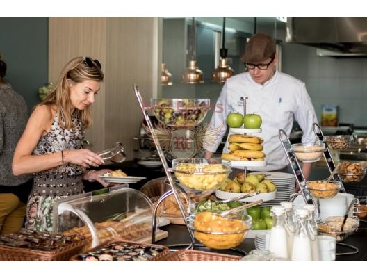 Budva Luxury Condo'da Denize Sıfır 2 Yatak Odalı Daire, Karadağ'da satılık otel konsepti daire, Karadağ'da satılık otel konseptli apart daireler, karadağ yatırım fırsatları