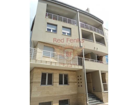Daire üçüncü katta ve 86 m2'ye sahiptir.