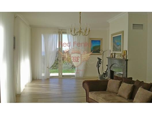 Reka Rezevici'de Lüks Villa, Karadağ da satılık havuzlu villa, Karadağ da satılık deniz manzaralı villa, Becici satılık müstakil ev