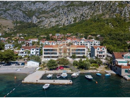 Risan'da panoramik deniz manzaralı tek yatak odalı daire, Karadağ satılık evler, Karadağ da satılık daire, Karadağ da satılık daireler