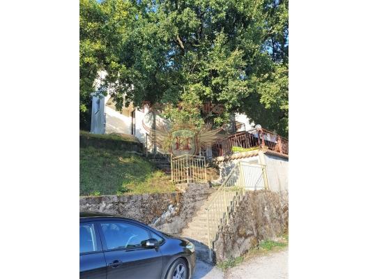 Boka Kotor Körfezi kıyısında şirin bir ev, Karadağ Villa Fiyatları Karadağ da satılık ev, Montenegro da satılık ev, Karadağ satılık villa