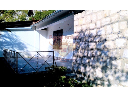 House with a plot near the beach in the picturesque village of Orahovac, Montenegro real estate, property in Montenegro, Kotor-Bay house sale