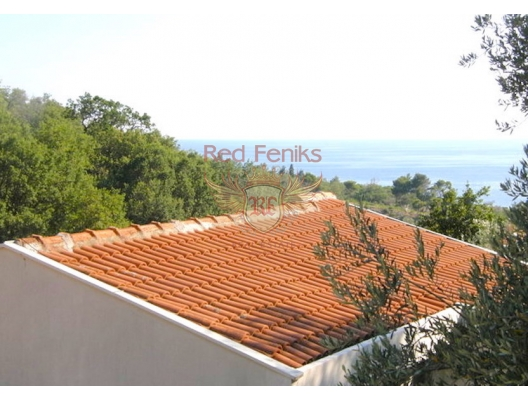 """For sale lovely stone villa in Rjeka Rezevici This villa is located in the village of Rezevici, just 10 minutes walk from the cozy beach """"Rezevici""""."""