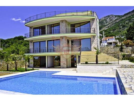 Bu güzel villa, 922 metrekarelik bir arsa üzerinde Bar - Zeleni pojas'ın pitoresk alanında yer almaktadır.