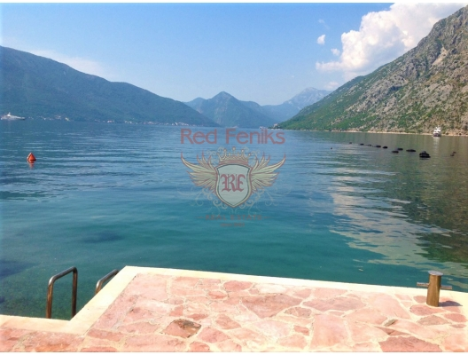 House for sale in Lyutа on the first line, Kotor bay, Montenegro.