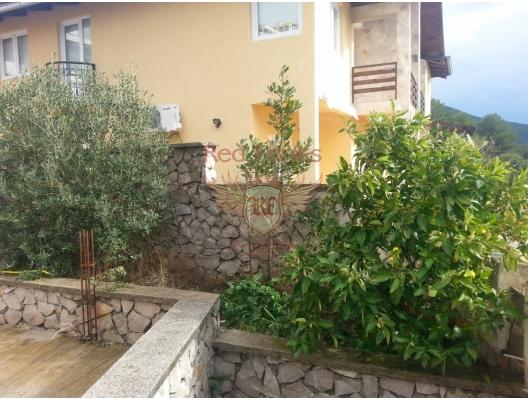 Bigova'da ev, Karadağ da satılık havuzlu villa, Karadağ da satılık deniz manzaralı villa, Krasici satılık müstakil ev