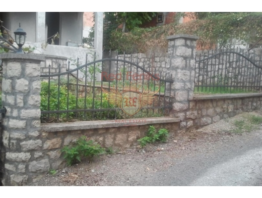 House with apartments in Dobra Voda, Montenegro real estate, property in Montenegro, Region Bar and Ulcinj house sale