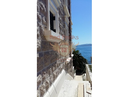 Waterfront Villa with panoramic views on the Bay of Kotor, Dobrota house buy, buy house in Montenegro, sea view house for sale in Montenegro