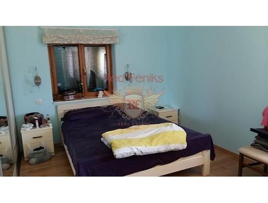 Kotor Körfezi üzerinde panoramik manzaraya sahip, Sahil Kenarinda Villa, Karadağ satılık ev, Karadağ satılık müstakil ev, Karadağ Ev Fiyatları