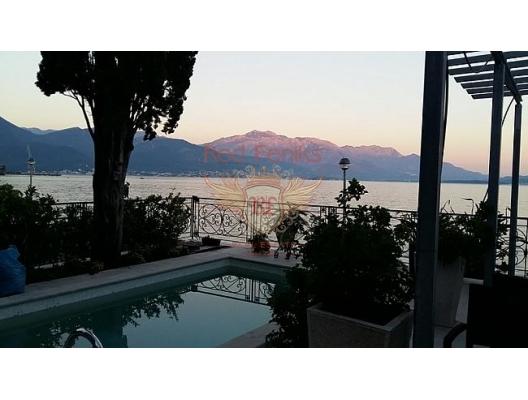 Kotor Körfezi üzerinde panoramik manzaraya sahip, Sahil Kenarinda Villa, Dobrota satılık müstakil ev, Dobrota satılık müstakil ev, Kotor-Bay satılık villa