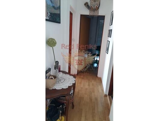 Herceg Novi'nin tarihi kent merkezine yakın güzel daire, Karadağ da satılık ev, Montenegro da satılık ev, Karadağ da satılık emlak