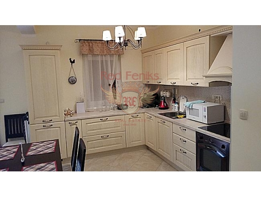 Djenovici'de mükemmel daire, Kotor-Bay da ev fiyatları, Kotor-Bay satılık ev fiyatları, Kotor-Bay ev almak