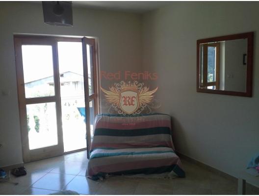 Kotor'a 6 km Panaromik Manzaralı Villa, Karadağ da satılık havuzlu villa, Karadağ da satılık deniz manzaralı villa, Dobrota satılık müstakil ev