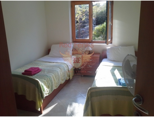 Kotor'a 6 km Panaromik Manzaralı Villa, Dobrota satılık müstakil ev, Dobrota satılık müstakil ev, Kotor-Bay satılık villa