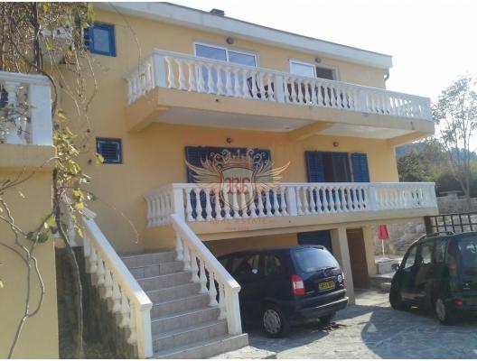 Kotor'a 6 km Panaromik Manzaralı Villa, Kotor-Bay satılık müstakil ev, Kotor-Bay satılık villa
