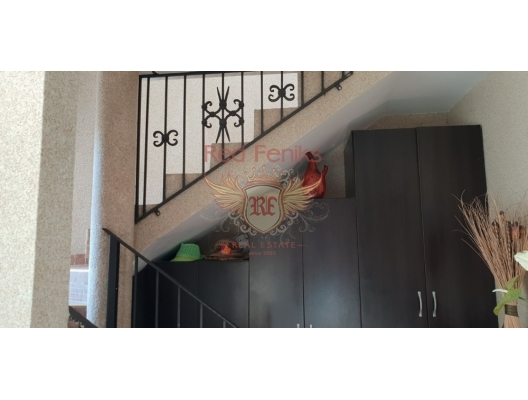 Krasici'de 3 Katlı Lüks Villa, Karadağ Villa Fiyatları Karadağ da satılık ev, Montenegro da satılık ev, Karadağ satılık villa