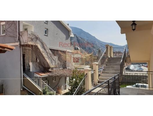 Kotor Old Town Manzaralı Geniş Daire, Karadağ da satılık ev, Montenegro da satılık ev, Karadağ da satılık emlak