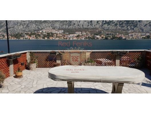 Old three-storey house for sale on the first line in Muo, Kotor bay, Montenegro.