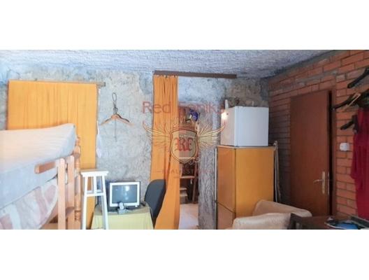 Muo'da Taş Ev, Karadağ da satılık havuzlu villa, Karadağ da satılık deniz manzaralı villa, Dobrota satılık müstakil ev