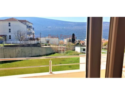 Porto Novi yakınındaki deniz manzaralı iki yatak odalı daire, Karadağ da satılık ev, Montenegro da satılık ev, Karadağ da satılık emlak