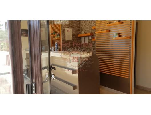 Kumbor Kıyı Şeridinde Kurulu Düzen İş, property in Montenegro, hotel for Sale in Montenegro