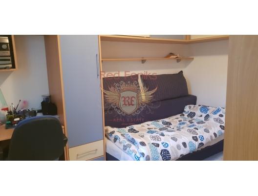 Denize sadece 50 metre mesafede 2 yatak odalı konforlu daire., Region Tivat da ev fiyatları, Region Tivat satılık ev fiyatları, Region Tivat ev almak