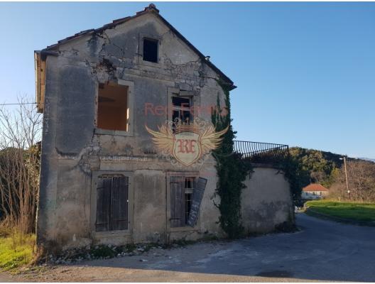 Lustica imar için eski panoramik deniz manzaralı ev, Karadağ satılık ev, Karadağ satılık müstakil ev, Karadağ Ev Fiyatları