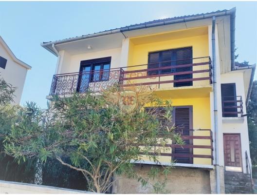 Lustica, Radovichi köyünde çok rahat iki katlı konak, Karadağ satılık ev, Karadağ satılık müstakil ev, Karadağ Ev Fiyatları