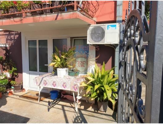 Tivat deniz manzaralı evin yarısı, Karadağ Villa Fiyatları Karadağ da satılık ev, Montenegro da satılık ev, Karadağ satılık villa