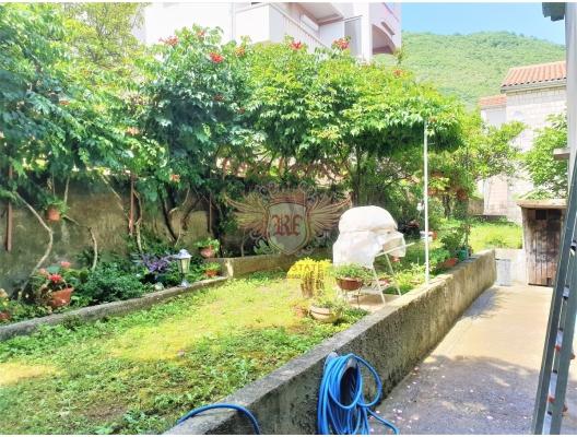 Tivat'ta geniş panoramik terasa ve kendi bahçesine sahip daire, Bigova da satılık evler, Bigova satılık daire, Bigova satılık daireler