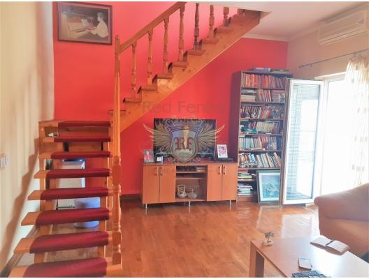 Tivat'ta geniş panoramik terasa ve kendi bahçesine sahip daire, becici satılık daire, Karadağ da ev fiyatları, Karadağ da ev almak