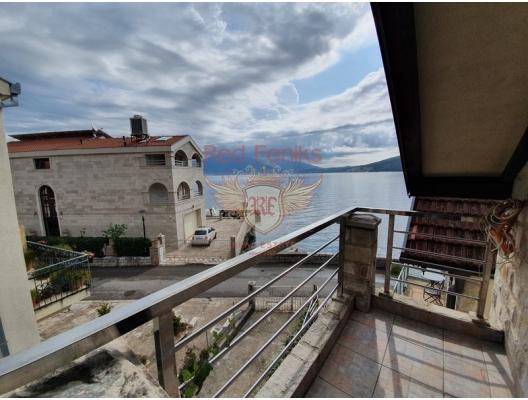 House on the first line in Djenovici, Karadağ da satılık havuzlu villa, Karadağ da satılık deniz manzaralı villa, Baosici satılık müstakil ev