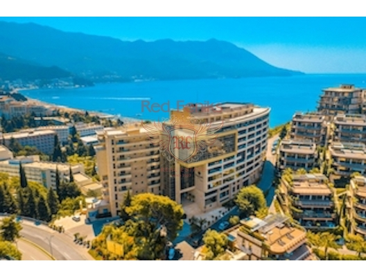 New furnished apartment for sale with 2 bedrooms in a luxury hotel complex on the first line of the sea with panoramic sea views, large terrace and high ceilings! Total area 89m2.
