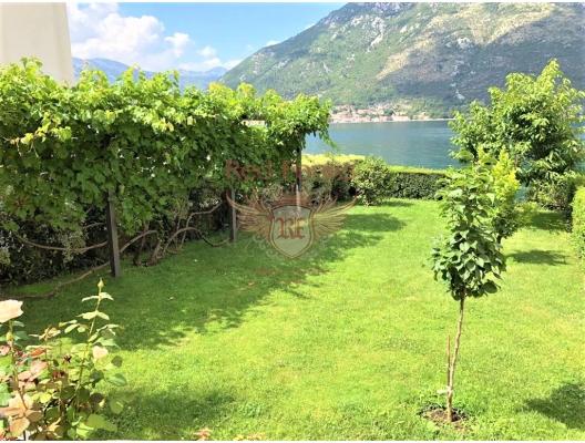 Sea View Vila on the beach frontline, buy home in Montenegro, buy villa in Kotor-Bay, villa near the sea Dobrota