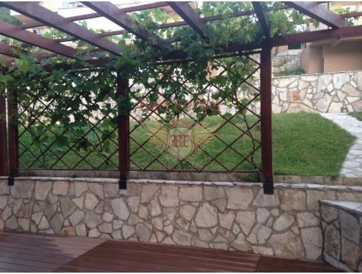 Bir köy kompleksinde bulunan mükemmel daire, Montenegro da satılık emlak, Bar da satılık ev, Bar da satılık emlak