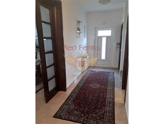 İlk hatta aile evi. Krasici, Karadağ satılık ev, Karadağ satılık müstakil ev, Karadağ Ev Fiyatları