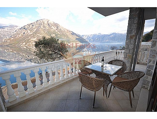 Luxurios villa on the beachfront in Kotor Bay, Montenegro real estate, property in Montenegro, Kotor-Bay house sale