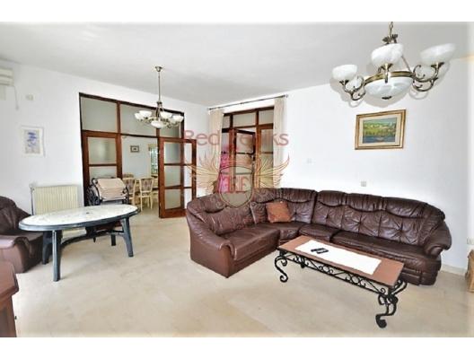 House near the seafront in Herceg Novi, Montenegro real estate, property in Montenegro, Herceg Novi house sale