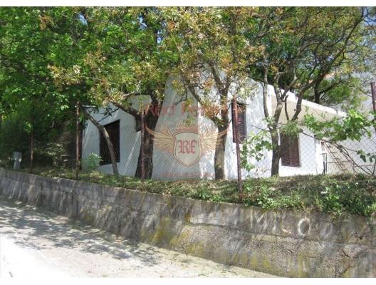 Sutomore'de Şirin bir Ev, Karadağ da satılık havuzlu villa, Karadağ da satılık deniz manzaralı villa, Bar satılık müstakil ev