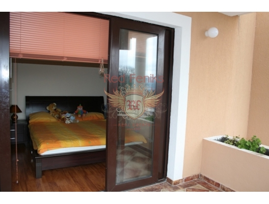 Kavac'da Tripleks Villa, Region Tivat satılık müstakil ev, Region Tivat satılık müstakil ev