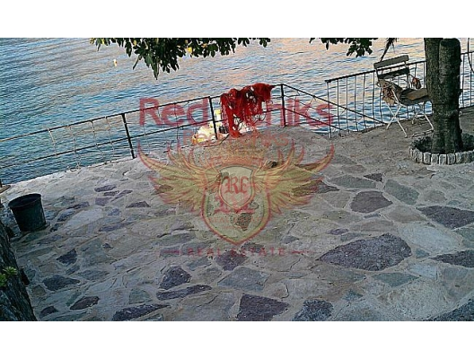 House in Stoliv with Рier, buy home in Montenegro, buy villa in Kotor-Bay, villa near the sea Dobrota