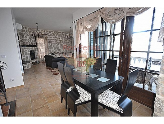Luxurios villa on the beachfront in Kotor Bay, Dobrota house buy, buy house in Montenegro, sea view house for sale in Montenegro