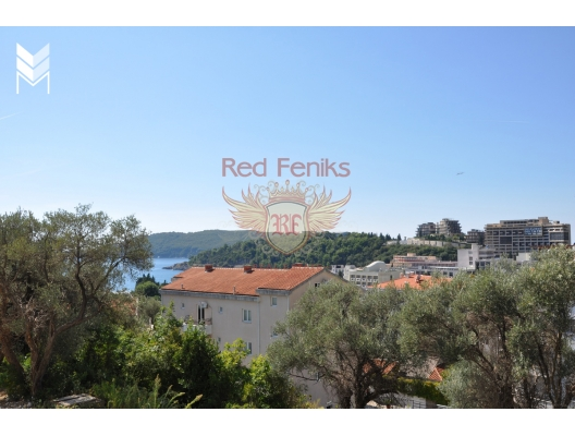 Spacious 3-room apartment for sale with a total area of 62 m2 on ground high floor of a new home in the quiet green district of Becici on the streets of Sresmko Front.