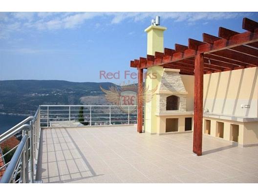 Suscepan'da deniz manzaralı ev, Karadağ da satılık havuzlu villa, Karadağ da satılık deniz manzaralı villa, Dobrota satılık müstakil ev