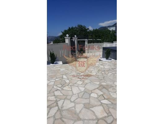 Dobra Voda'da havuzlu ev, Karadağ satılık ev, Karadağ satılık müstakil ev, Karadağ Ev Fiyatları